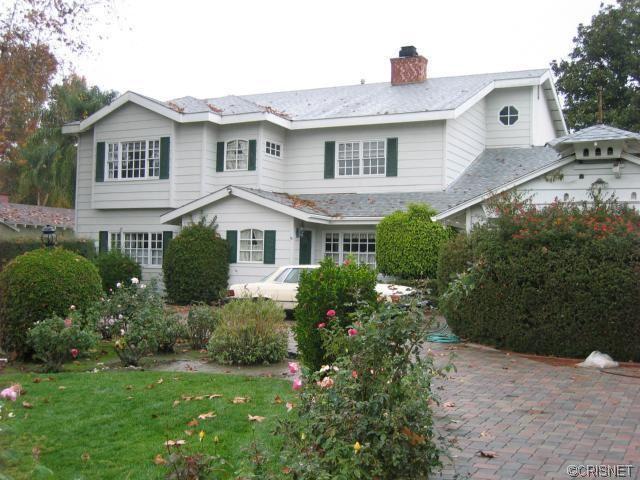 17161 Gresham St Northridge, CA 91325