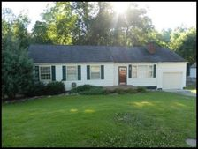 5509 Greencrest Rd, Knoxville, TN 37918