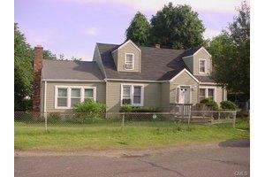 25 Everett St, Bridgeport, CT 06606