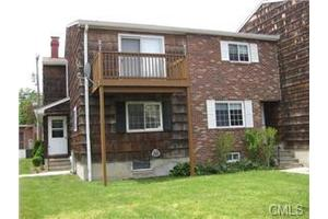 9 Patricia Rd Unit A, Bridgeport, CT 06606
