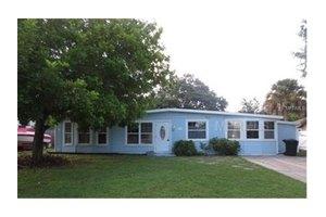 6710 Kingswood Dr N, St Petersburg, FL 33702