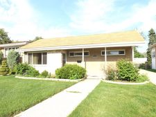 1431 Portsmouth Ave, Westchester, IL 60154