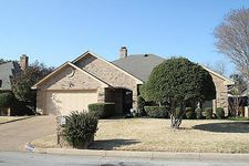 5016 Alicia Dr, Fort Worth, TX 76133