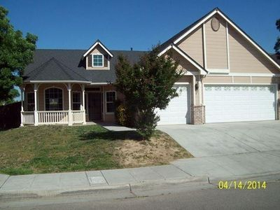 3082 N Hanover Ave, Fresno, CA