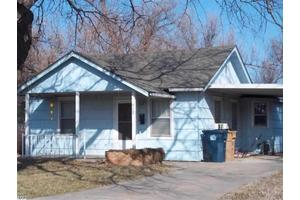 618 E 14th Ave, Hutchinson, KS 67501
