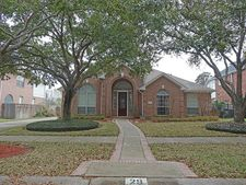 29 Fosters Green Dr, Sugar Land, TX 77479