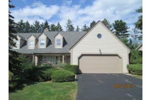 1434 W De La Warr Cir, City of Mequon, WI 53092