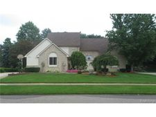 56652 Portsmouth Dr, Shelby Township, MI 48316