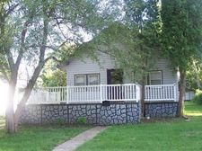 120 W 2nd Ave N, Estherville, IA 51334