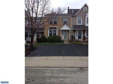 2403 Hillendale Dr, Norristown, PA 19403
