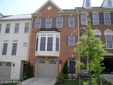 18613 Hollow Crest Dr, Olney, MD 20832