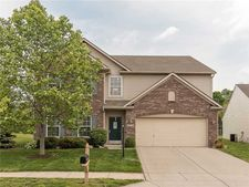18714 Prairie Crossing Dr, Noblesville, IN 46062