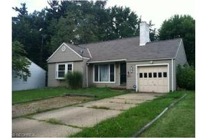 807 37th St NW, Canton, OH 44709