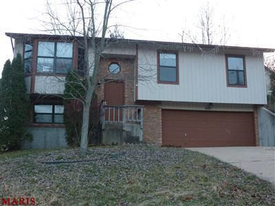805 Country Glen Dr, Imperial, MO 63052