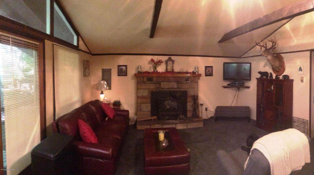139 Comanche Trl, Pocono Lake, PA 18347