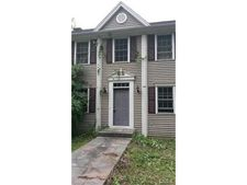 11 Narragansett Trl, Newtown, CT 06482