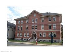 223 Meadow St Apt 10, Naugatuck, CT 06770