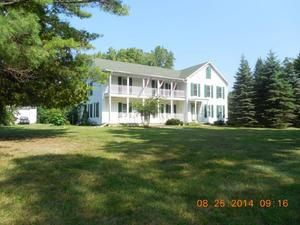 8476 black river rd jeddo mi 48032 4 beds 4 baths home