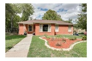 2071 W Lotus Ave, Fort Worth, TX 76111