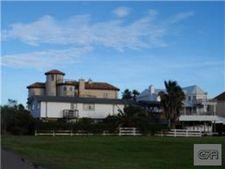 1247 Oahu Dr, Tiki Island, TX 77554