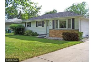 5239 Greenfield Ave, Mounds View, MN 55112