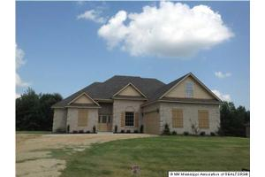 470 Byhalia Creek Farms Rd, BYHALIA, MS 38611