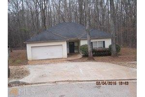 3949 Tyler Ct, Ellenwood, GA 30294