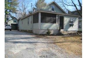 450 Gansevoort Rd, South Glens Falls, NY 12803