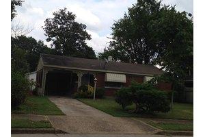 1824 Sierra St, Memphis, TN 38128