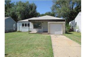 1415 N Pinecrest St, Wichita, KS 67208