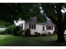 887 Oak St, East Hartford, CT 06118