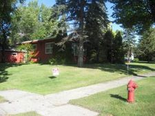 303 5th St W, Lakota, ND 58344