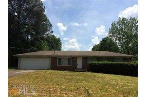 3267 Betty Cir, Decatur, GA 30032