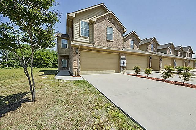 141 Barrington Ln Lewisville, TX 75067