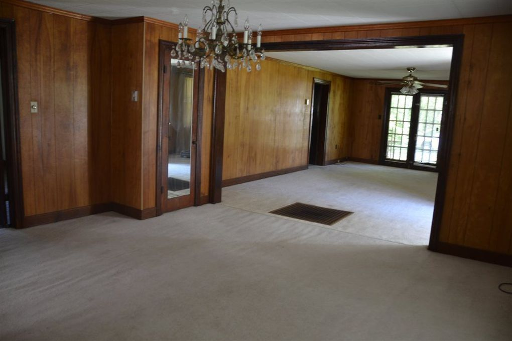 1317 mifflin rd jackson tn 38301 for Hardwood floors jackson tn