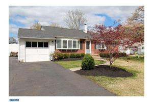 4 Riverdale Rd, Yardley, PA 19067