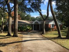 323 Yacht Club Dr Ne, Fort Walton Beach, FL 32548