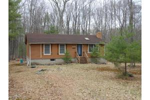109 Rhododendron Ln, Milford, PA 18337