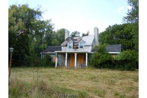 300 River Bend Rd, Great Falls, VA 22066