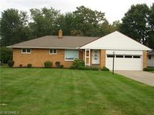 663 Meadowlane Dr, Richmond Heights, OH 44143