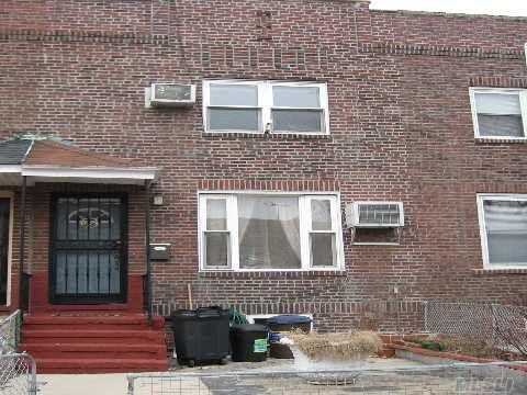 2062 28th St, Astoria, NY 11105