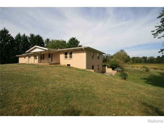 10377 center rd tyrone township mi 48430 home for sale and real estate listing