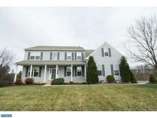 635 Buyers Rd, Collegeville, PA 19426