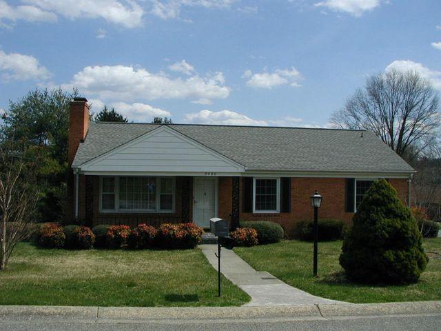 3486 Greencliff Rd, Roanoke, VA 24018