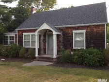 5 N Howells Point Rd, Bellport Village, NY 11713