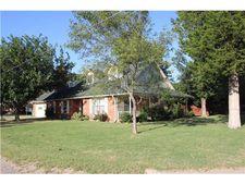 512 N Oak St, Lindsay, TX 76250
