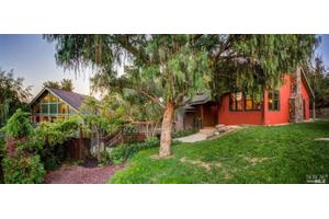 6077 Malcom Ln, Penngrove, CA 94951