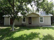 913 S Main St, Farmersville, TX 75442