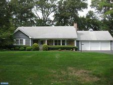 22 Wynnewood Dr, Cranbury, NJ 08512