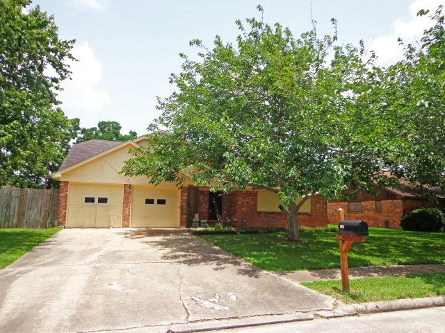 Homes For Sale Near Angleton